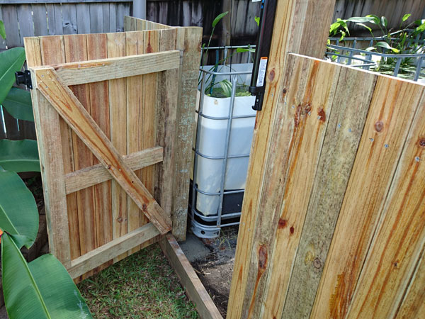 finished-fence-and-gate-wit