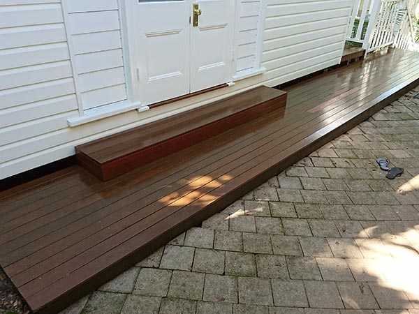 The finished product - deck looking like new again